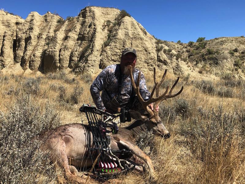 Bob-Morton-2019-Wyoming-mule-deer.-4-yard-shot