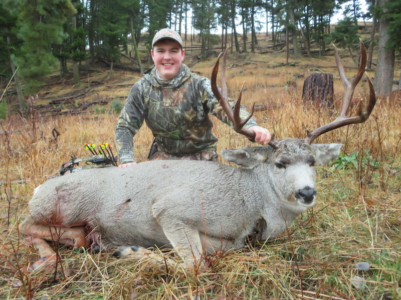 Bridger-Kamps-had-to-keep-spooking-a-grizzly-bear-away-in-order-to-retrieve-and-drag-out-his-5x6-mulie-buck.-Now-thats-dedication.