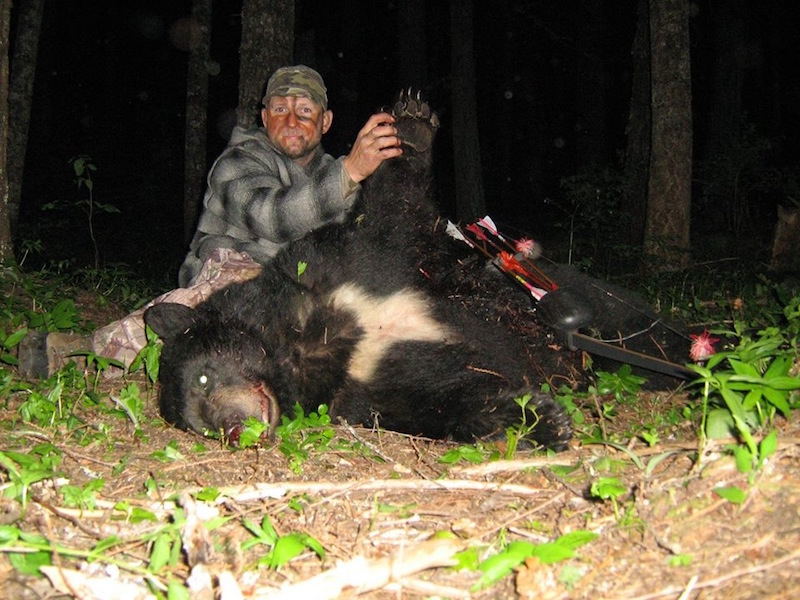 Chris Blaskowski 2014 Idaho Black Bear using traditional bow
