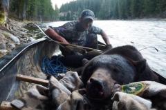 Chris Blaskowski Idaho black bear taken with Old Faithful recurve